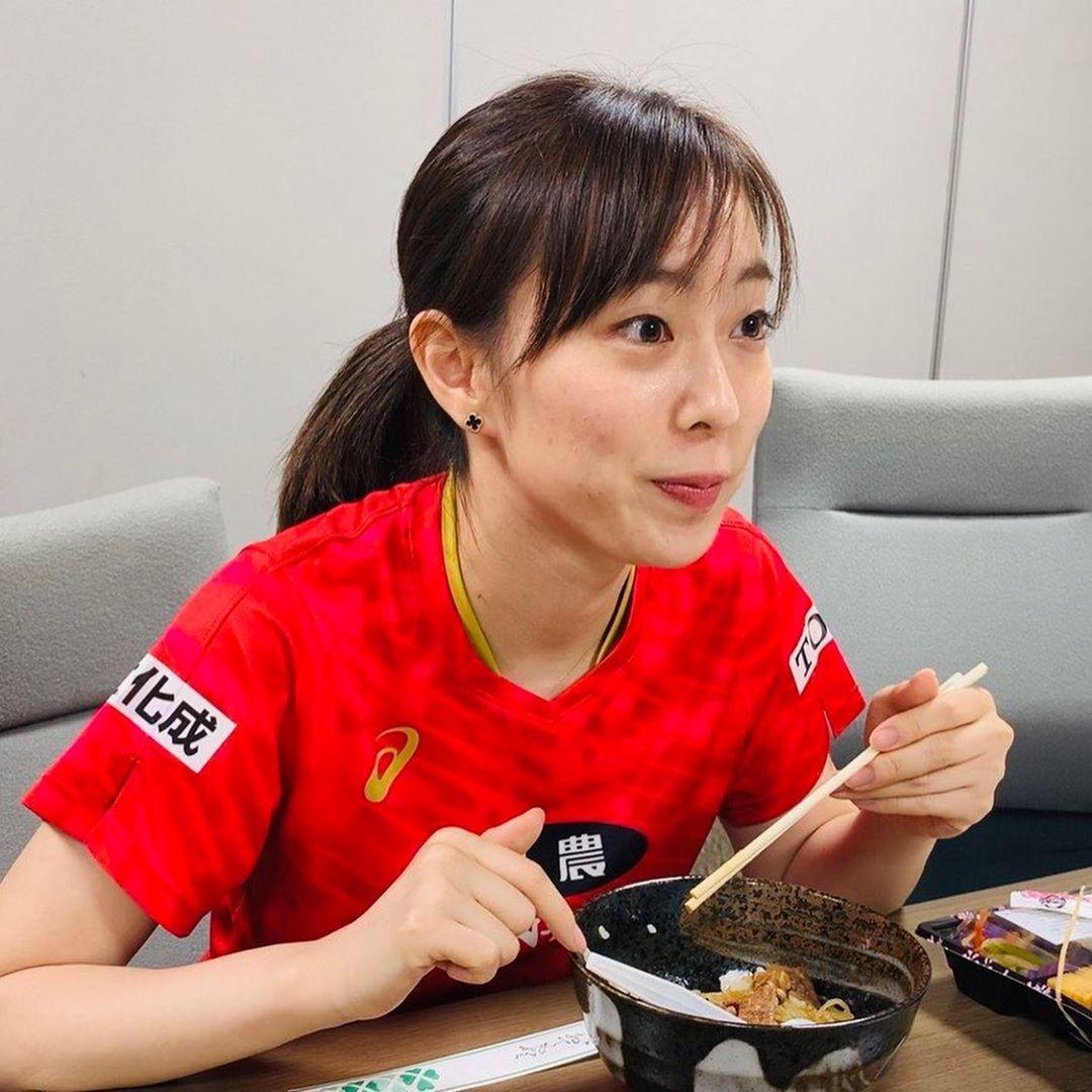 石川佳純 かわいい 牛丼