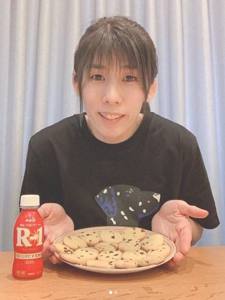 吉田沙保里 インスタ 女子力 手作りクッキー